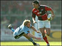 Regan King drifts outside Jamie Robinson
