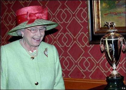 The Queen at the Derby
