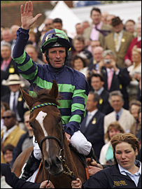 Kevin Manning salutes the crowd after winning on Finsceal Beo