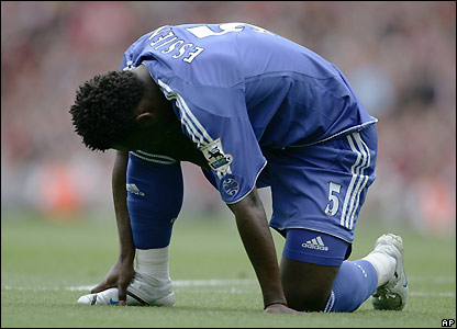 Essien inspects his injury
