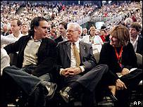 Warren Buffett talking to shareholders