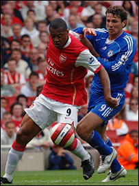 Arsenal's Julio Baptista and Chelsea's Khalid Boulahrouz