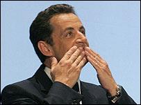 Nicolas Sarkozy sends kisses to his supporters