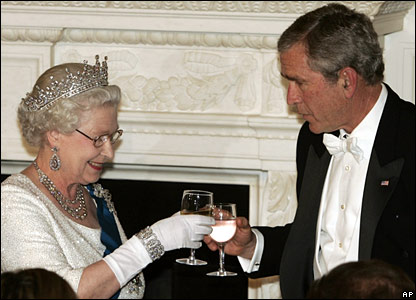 President Bush toasts the Queen