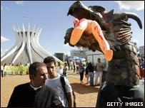 Campaña contra el aborto en el área que visitará el Papa en Sao Paulo