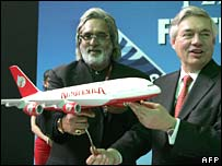 Kingfisher boss Vijay Mallya (left) Airbus Industrie's John Leahy at Delhi airport