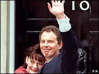 Tony Blair y su esposa Cherie en 1997.