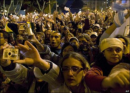 Crowds cheer the Pope in Sao Paulo