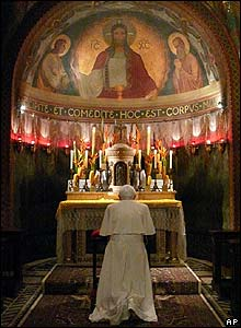 Pope Benedict XVI praying at Sao Bento monastery