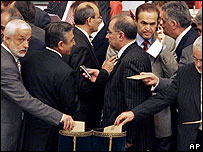 Voting in Turkish parliament, 10 May 07