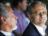 Jose Ramos-Horta with outgoing President Xanana Gusmao (left) in Dili on 11 May 2007