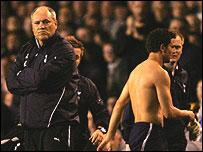 Martin Jol shows his displeasure as Hossam Ghaly walks off after throwing off his shirt