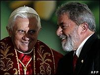 Pope Benedict XVI and Brazil's President Luiz Inacio Lula da Silva