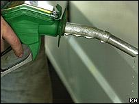 Cargando combustible