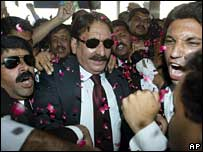 Iftikhar Muhammad Chaudhry leaving from Karachi from Islamabad