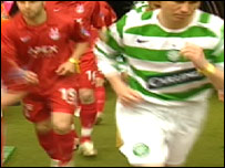 Aberdeen and Celtic players with wristbands