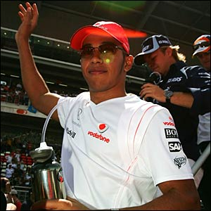 Lewis Hamilton salutes the crowd in Barcelona