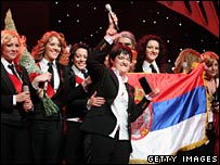 Marija Serifovic (centre) and her backing singers