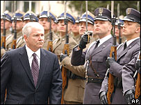 US Defence Secretary Robert Gates in Warsaw, 24 Apr 07