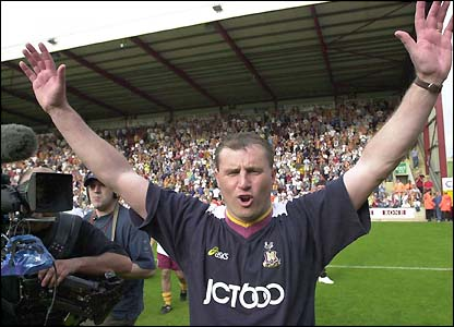 Paul Jewell celebrates after the win over Liverpool