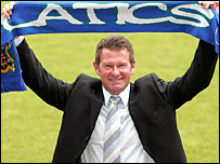 New Wigan boss Chris Hutchings