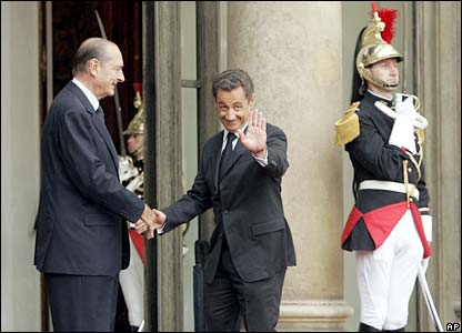 Jacques Chirac (left) and Nicolas Sarkozy at a handover ceremony at the Elysee Palace in Paris