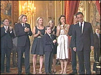 Nicolas Sarkozy watched by family - 16/5/07