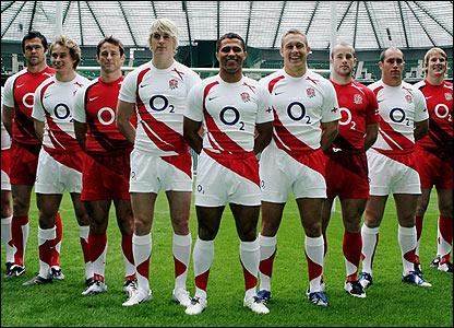 Jason Robinson and his England team-mates display the new shirt design at Twickenham