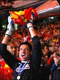 Sevilla goalkeeper Andres Palop gets his hands on the Uefa Cup