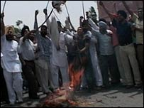 Protesting Sikhs