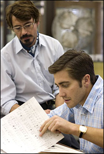 Robert Downey Jr and Jake Gyllenhaal (r) in Zodiac