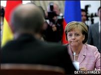 Canciller alemana, Angela Merkel frente al presidente de Rusia, Vladimir Putin