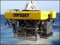 Vehículo de control remoto llega a la superficie (Cortesía Odyssey Marine Exploration, 2007)