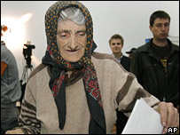 A Romanian woman casts her vote in Bucharest