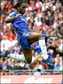 Didier Drogba scores the winner for Chelsea