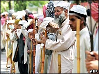 Lal Masjid students protest outside the mosque in April 2007