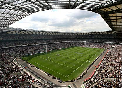 The fans crowd into Twickenham