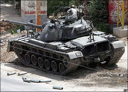 Lebanese tank in Tripoli