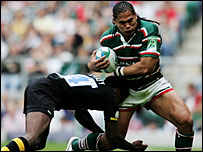 Wasps wing Paul Sackey tackles Leicester's Alesana Tuilagi