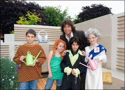 "Lawrence Llewelyn-Bowen, along with (Left-right) 'Alan Titchmarsh"" - Mustafa Shuqru, 10, from North London, ""Charlie Dimmock"" - Ellie Dodds, 9, from Braintree, ""Lawrence Llewelyn-Bowen"" - Kleni Isaku,"