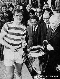 Billy McNeill receives the European Cup
