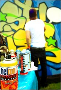 Graffiti man hard at work