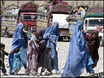 لاجئون افغان