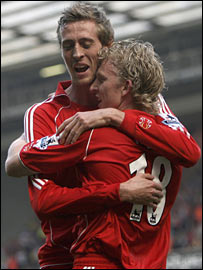 Peter Crouch and Dirk Kuyt