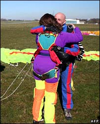 Ms Bakhtiar hugs her instructor, 10 April 2007 in Le Havre, France