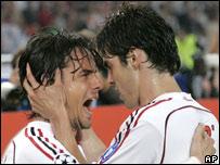 Filippo Inzaghi celebra con Kak�