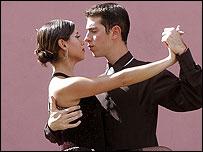 Tango dancing street performers in La Boca, Buenos Aries, Argentina