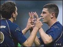 Graham Dorrans and Brian Gilmour celebrate at Firhill