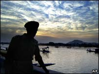 Indian soldier, Dal lake, Kashmir, April 16, 2007