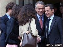 El nuevo presidente de Francia recibe a familiares de Ingrid Betancourt